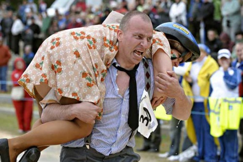 wife carrying Die Hacken Geht Oktoberfest!