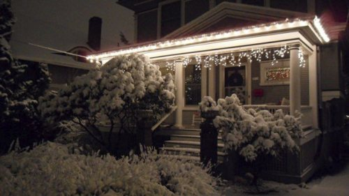 this - Tasteful Outdoor Christmas Light Decorating Ideas