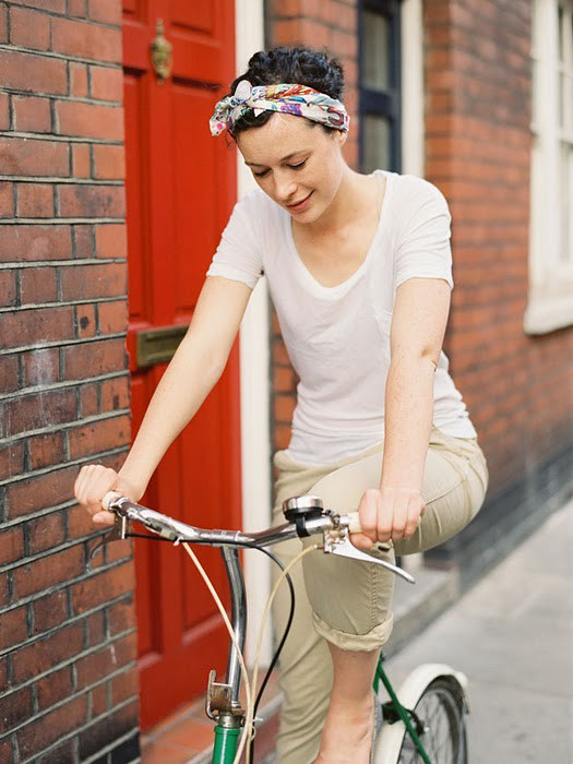 tumblr lpfvv14uEn1qzzxj7 Women on Bicycles