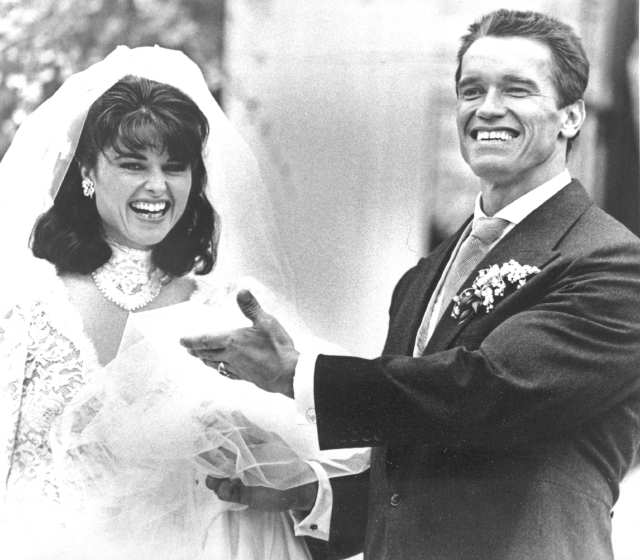 Arnold Schwarzenegger and maria Shriver on their wedding day