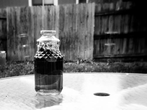 sun tea brewing