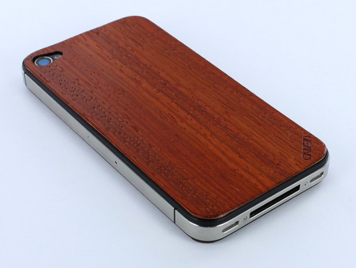 padauk iphone 4 wood skin 2 Carveds Natural Wood iPhone Skins: The Chop Approves